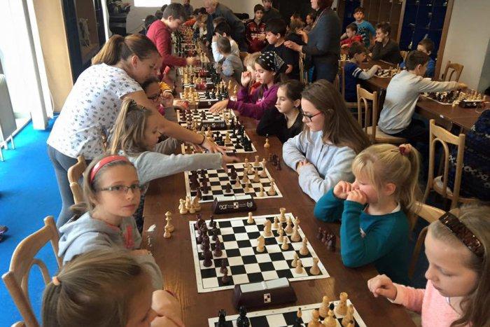 Ilustračný obrázok k článku Najlepší šachisti okresu sú z gymnázia, medzi žiakmi víťazili hráči zo ZŠ Bystrická cesta a Teplej